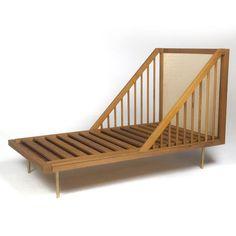 Berço/Cama Otto, de design assinado em madeira maciça e latão - Acierno