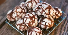 Once You Try These Crinkle Cookies, They'll Become Your Holiday Go-To – Just Watch!