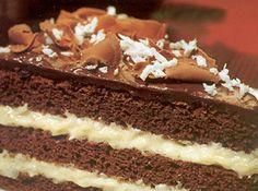 Chocolate + coco = um bolo dos Deuses! Olha só que maravilha: http://goo.gl/RSazFJ