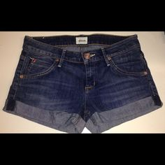 """Hudson women's jean shorts size 25 Hudson women's Jean hipster shorts. Size 25 . In good condition style: Hampton cuffed short .Rise is 7"""", 2.5"""" from inner thigh down Hudson Shorts Jean Shorts"""