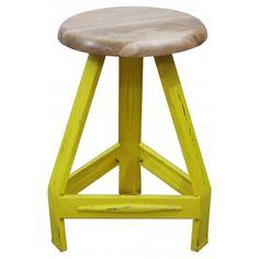 Kruk Pure hout-metaal van Kids Depot is een stoere kruk met een metalen onderstel en een rond, houten zitvlak. Ideaal als krukje voor bij de eetkamertafel maar ook leuk als bijzettafeltje. Te krijgen in 5 verschillende, hippe kleuren - WinjeWanje Interieurs
