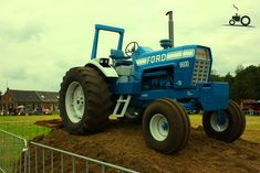Classic Tractor, Ford Tractors, Heavy Machinery, Vintage Farm, New Holland, Opera, Childhood, Vintage Farmhouse, Infancy