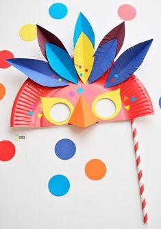 paper plate carnival mask diy for kids #kidscrafts #diykids #kidscostumes