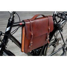 Wilkens Fahrradtaschen Fahrrad Rahmentasche Büro: Die Aktentasche passt ideal zu großen Herrenrädern. ab 195,00 € weitere Informationen -> Aus der Kategorie: Fahrradtaschen, Rahmentaschen.