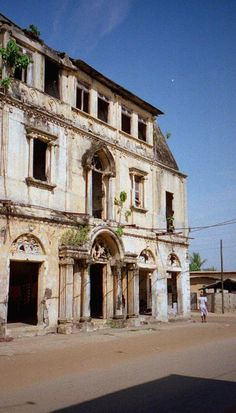 """""""Grand-Bassam has more history in its Quartier Colonial (Colonial Quarter) – now a UNESCO World Heritage Site – than the rest of the country combined."""" Ivory Coast: the Bradt Guide; www.bradtguides.com/ivorycoast"""