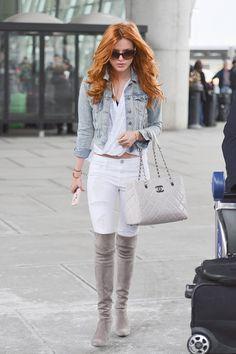 Pin for Later: Diese Stiefel sind das Beste, was euch in diesem Herbst passieren kann Bella Thorne Bella Thorne wählte die Stiefel für einen Casual-Look mit Jeans.