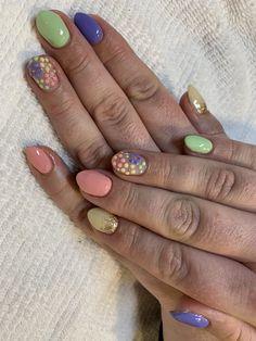 Gel on natural nails Short Nails, Long Nails, Rainbow Nail Art, Natural Gel Nails, Texture Art, Fails, Finger Nails, Clothing, Nail Hacks