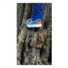 Y no trata de eso la vida? De ir superando obstáculos, de ir escalando montañas. A veces solo cuesta un poco mas, tal vez xq no llevamos el calzado adecuado. #365 #365dias365fotos #365vt84 #fotografia #primavera #mayo #spring #JugarEsEsencial #euskadigrafias #movilgrafias #nikolasysuscosas #priime #childhoodunplugged #DisparaconelCorazon #shamoftheperfect
