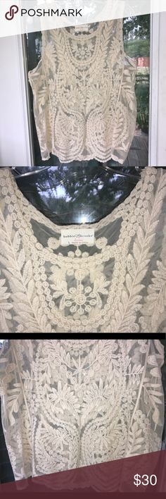 Bobbi Brooks lace tank EUC... no signs of wear. Beautiful lace design!!! Bobbi Brown Tops Tank Tops
