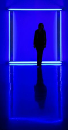 The blue room - Dan Flavin
