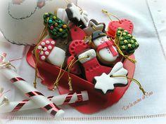 Galletas de turrón decoradas con fondant para Navidad (Thermomix)