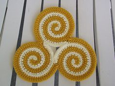 How cute and unique is this crocheted hot pad! I love it!