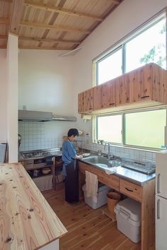 Inspiring Japanese Kitchen Style - My Little Think Asian Kitchen, Japanese Kitchen, Japanese House, Barn Kitchen, Wooden Kitchen, Kitchen Decor, Kitchen Interior, Interior Design Living Room, Industrial Style Kitchen