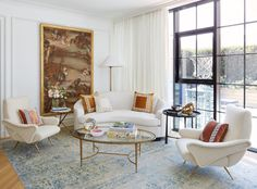 Alongside decorator Michael Aiduss, the New Orleans Pelican and his wife, Chelsea, crafted a European-inspired family oasis in Dumbo Fine Paints Of Europe, Hand Painted Wallpaper, Design Salon, Curved Sofa, Nba Stars, Custom Sofa, Wallpaper Panels, Architectural Digest, Architecture Design