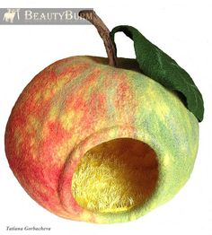 Cat bed - cat cave - cat house - eco-friendly handmade felted wool cat bed - Apple - for cats - for kittens