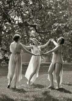 Circa 1929. Unidentified women, possibly Elizabeth Duncan dancers.