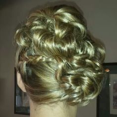 Bridal hair by Amy Alesia.  Www.pinupsalongirl.com 4436748160