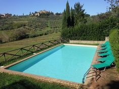 This is a fully equipped villa ideally located for sightseeing providing a comfortable base to explore Tuscany or the perfect location to relax. Villa, Private Pool, Location, Relax, Outdoor Decor, Home Decor, Restored Farmhouse, Beach Style Daybeds, Terrace