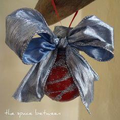 diy ornament from a light bulb