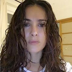 Salma Hayek-The Mexican beauty proved that she looks gorgeous no matter what — even fresh out the shower. .