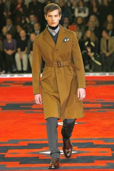 Prada Fall 2012 Menswear Fashion Show - Arthur Kosse
