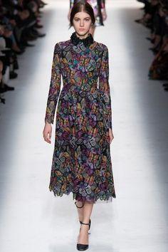 dd16b3e3dcad Valentino Fall 2014 Ready-to-Wear Collection - Vogue Runway Fashion, Hijab  Fashion