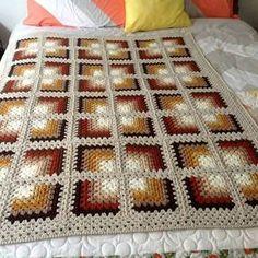Mitred Granny Square Blanket - Free Pattern