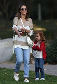 Jessica Alba Photos Jessica Alba Goes To The Park With Daughter Haven Zimbio Jessica