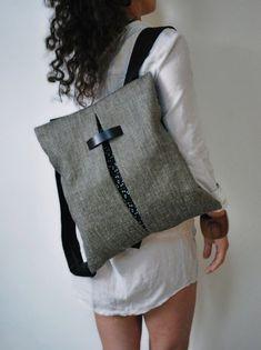 Cómo hacer una moderna mochila con bolsillo y asas DIY - El Cómo de las Cosas