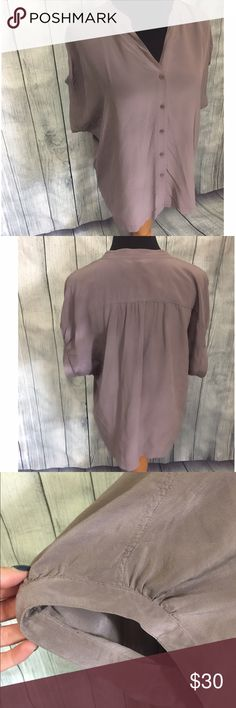Trouve Short Sleeve Silk Blouse Casual or Dressy Top from Nordstrom. Like New. Trouve Tops Blouses