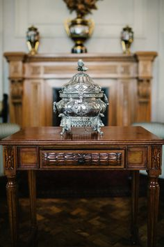 Peruvian Silver, Wedding gift, Luxury, Historic colonial decoration | A Very Beloved Wedding | Photo: Claire Morgan #silver