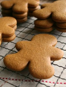 Gingerbread Cookies •• Just make sure to chuck 'em in the fridge for 4-6 mins before you bake 'em so they retain their shape.