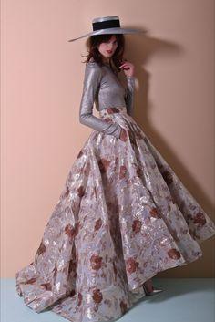 Sfilata Christian Siriano New York - Pre-collezioni Primavera Estate 2018 - Vogue