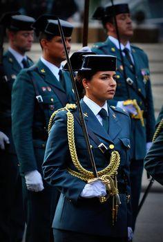 Oficial Guardia Civil España. Día de la Hispanidad