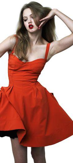 The complete ZAC Zac Posen Resort 2012 fashion show now on Vogue Runway. Fashion Models, Fashion Show, Fashion Designers, Little Red Dress, Bustier Dress, Zac Posen, Colorful Fashion, Fashion Photography, Wrap Dress