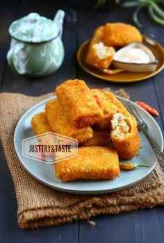 Just Try & Taste: Resep Risoles Isi Ragut Fish Recipes, Asian Recipes, Mexican Food Recipes, Snack Recipes, Cooking Recipes, Indonesian Desserts, Indonesian Food, Food Snapchat, My Best Recipe