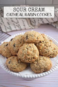 Easy Cookie Recipes, Best Dessert Recipes, Cookie Desserts, Sweet Desserts, Candy Recipes, Sweet Recipes, Bar Recipes, Oatmeal Raisin Cookies, Sour Cream