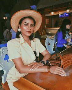 Sara Carvajal de Popa (@saracarvajaldepopa) • Instagram photos and videos Photo And Video, Instagram, Videos, Photos, Outfits, Fashion, Comfort Zone, People, Moda