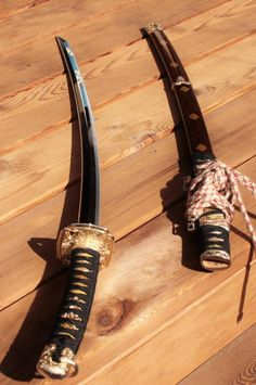 Join me here to keep up with what I'm learning or visit my martial arts history website; The History of Fighting Martial. Ronin Samurai, Samurai Swords Katana, Japanese Blades, Japanese Sword, Ninja Weapons, Weapons Guns, Swords And Daggers, Knives And Swords, Samurai Concept