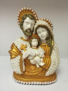 Sagrada família Gabriel, Diy And Crafts, Sculptures, Handmade, Pictures, Cd Crafts, Simple Mandala, Christ Cross, Accent Pieces