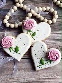 Flower Sugar Cookies, Sugar Cookie Royal Icing, Iced Sugar Cookies, Wedding Shower Cookies, Wedding Cake Cookies, Decorated Wedding Cookies, Decorated Sugar Cookies, Valentine Cookies, Birthday Cookies