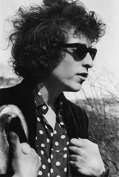 Cool pic of the legend, Bob Dylan...