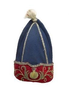 An early eighteenth-century English grenadier cap embroidered with the white horse of the house of Hanover below a coat of arms and a coronet. (Museum of London) British Army Uniform, British Uniforms, Men In Uniform, Military Fashion, Military Hats, Military Uniforms, Free Museums, Royal Marines, London Museums