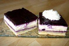 Famózny a rýchly smotanový zákusok s čučoriedkami. Easy Vanilla Cake Recipe, Easy Cake Recipes, Sweet Recipes, Salty Snacks, Hungarian Recipes, Cake Toppings, Coffee Cake, No Bake Cake, Fun Desserts