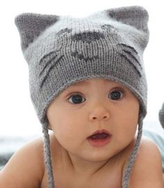 Knitting Patterns for Baby Cat hat pattern for baby with cat ears and face, and plaited ties… Baby Hats Knitting, Knitting For Kids, Baby Knitting Patterns, Hand Knitting, Knitted Hats, Knitting Needles, Crochet Patterns, Hat Patterns, Sewing Patterns