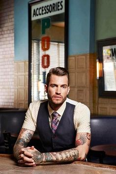 Love me a guy with tattoos and a vest on. I mean come on…look at that vest. My two weaknesses #guyswithtattoos  visit www.barelynaked.me