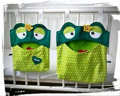 """Utensilo """"Frog Prince"""" ♥ Small, Large, XXL ♥ by Gudis-Goodies on DaWandaf . Sewing Projects For Kids, Diy Projects To Try, Peg Bag, Valentines Gifts For Him, Hanging Organizer, Dresses Kids Girl, Embroidery For Beginners, Handmade Home, Diy Storage"""