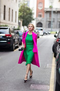 Romashka (Stockholm Streetstyle) Tell me about your outfit, what you are wearing? - Im wearing a dress, coat and heels from Dior.Tell me about your outfit, what you are wearing? - Im wearing a dress, coat and heels from Dior. Green Fashion, Fashion Colours, Colorful Fashion, Colour Blocking Fashion, Color Blocking Outfits, Fashion Week 2015, Milano Fashion Week, Fashion Trends, Milan Fashion