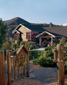 Rock On - LogHome.com>> Rock On One couple restores authentic Sedona charm to a 680sq.ft.log home at the base of Cathedral Rock.