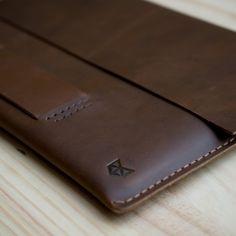HeteroChromia Dark Brown for Macbook Pro Retina 13 15 inch New Macbook 12 inch with handle. Personalized Gift Men Leather Sleeve case